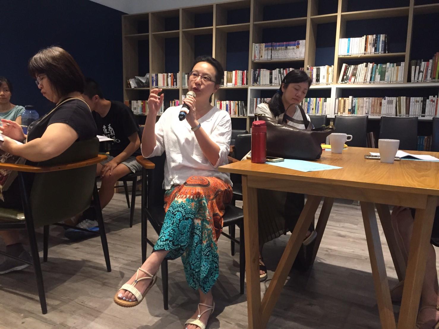 現場教師提問徐亞湘教授,其擔任審查委員的經驗,如何幫助申請補助案。